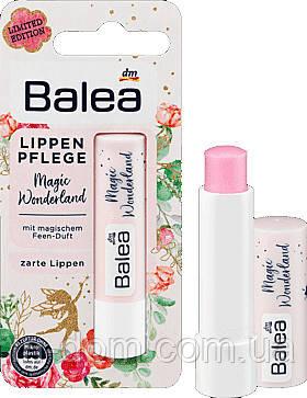 Balea Lippenpflege Magic Wonderland Бальзам для губ c волшебным ароматом  4,8 г