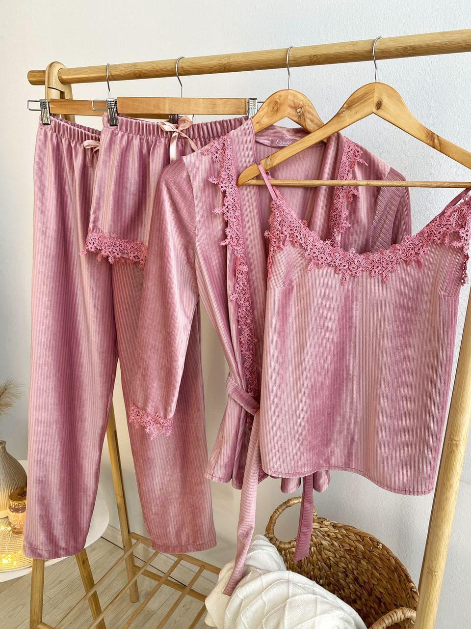 Женская пижама велюровая четверка