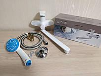 Смеситель для ванны из термопластического пластика с длинным поворотным гусаком Brinex 35W005-004
