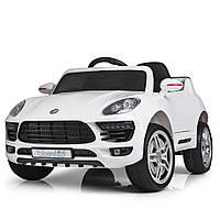 Детский электромобиль Porsche M 3178EBLR-1 белый, световые и звуковые эффекты, ремень безопасности
