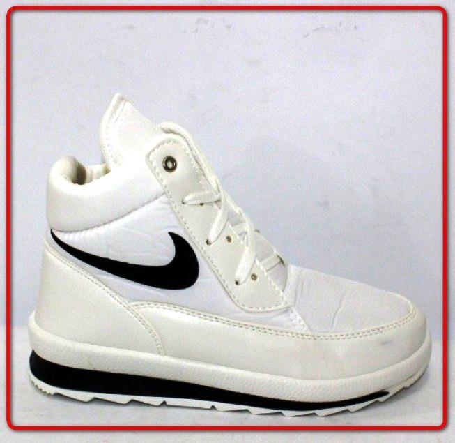 Белые женские зимние спортивные ботинки (38)