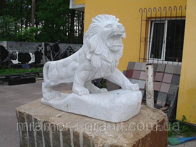 Скульптуры львы из мрамора