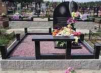 Памятник с благоустройством
