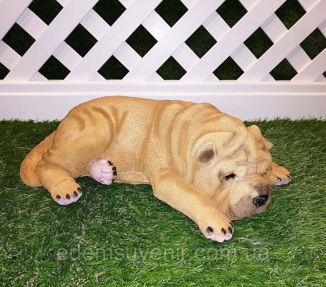 Садовая фигура собака Шарпей спящий