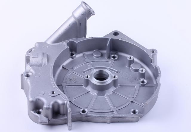 Картер на скутер  (горловина залива масла) 125/150 куб  КОД 1049