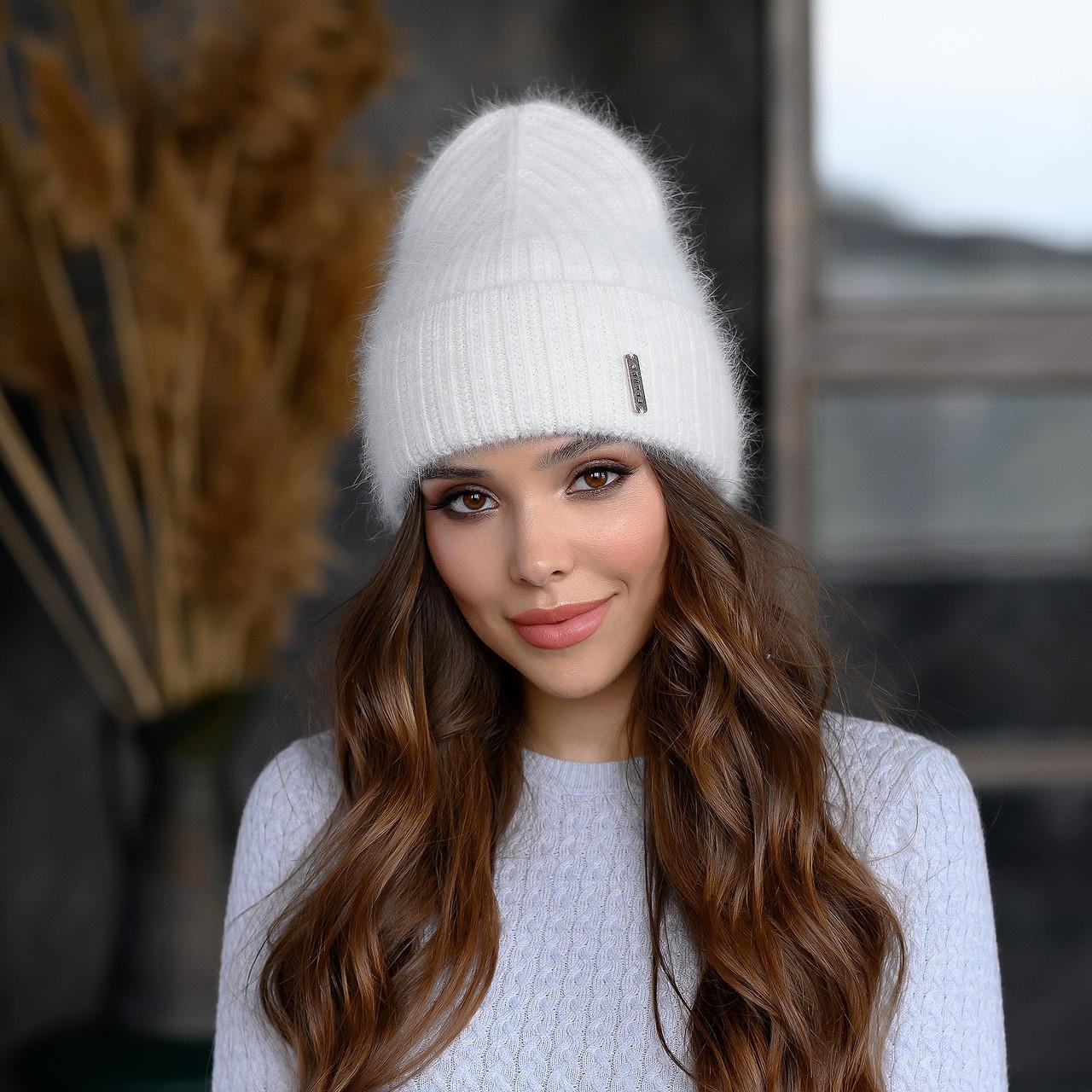 """Вязанная шапка """"Эмили """" цвет белый"""