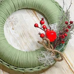 Рождественский венок из трикотажной пряжи