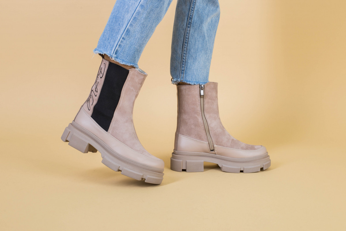 Ботинки женские замшевые бежевые с кожаной вставкой, зима