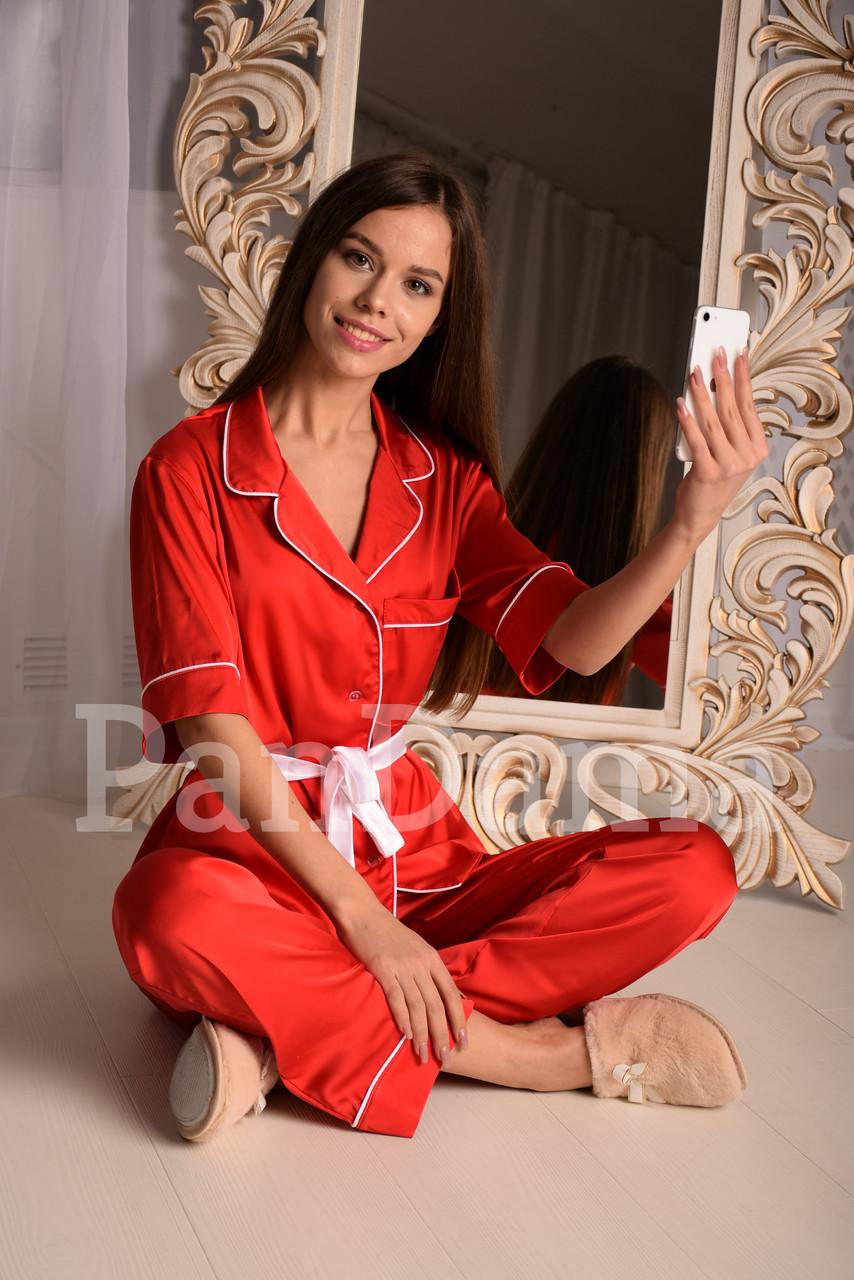 Красная шёлковая пижама