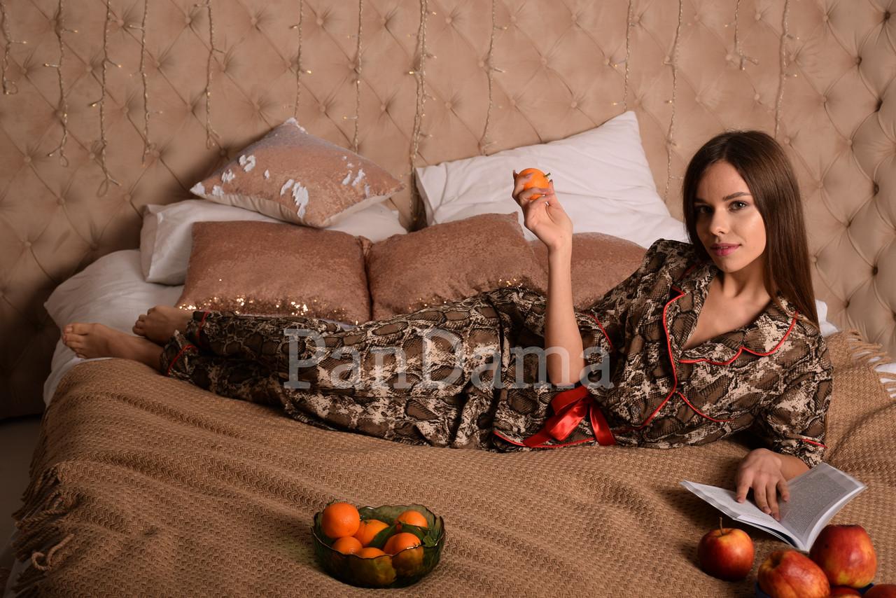 Женская пижама с змеиным принтом