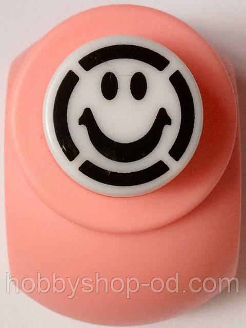 Дырокол фигурный Смайл кнопка 1,8 см