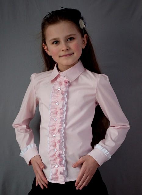Школьная нарядная блузка розовая