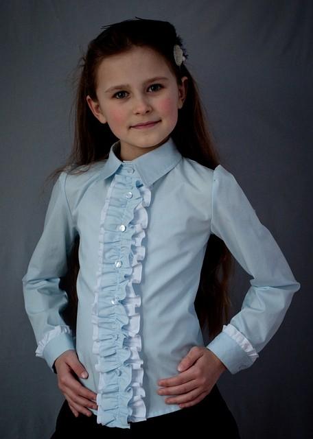 Школьная нарядная блузка мод.2050  с вертикальными рюшами