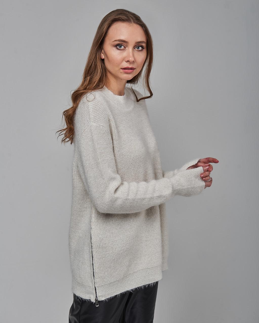 Женский свитер белый Serianno. Турция