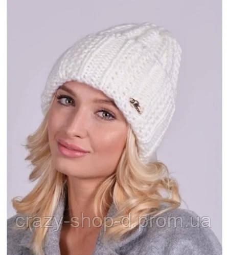 Женская вязанная шапочка