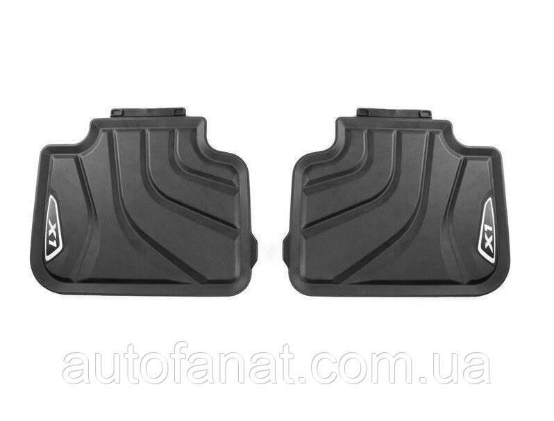 Оригинальные задние коврики салона BMW X1 (F48) Х-Line черные/серебристые (51472365858)