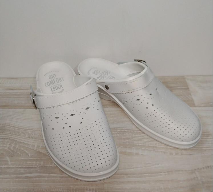 Медична взуття шльопанці 36-40 р Молдова білі.