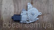 Стеклоподъемник ( мотор ) передний правый  Mercedes-Benz C-Class  W204 A204 820 02 42;0130822502
