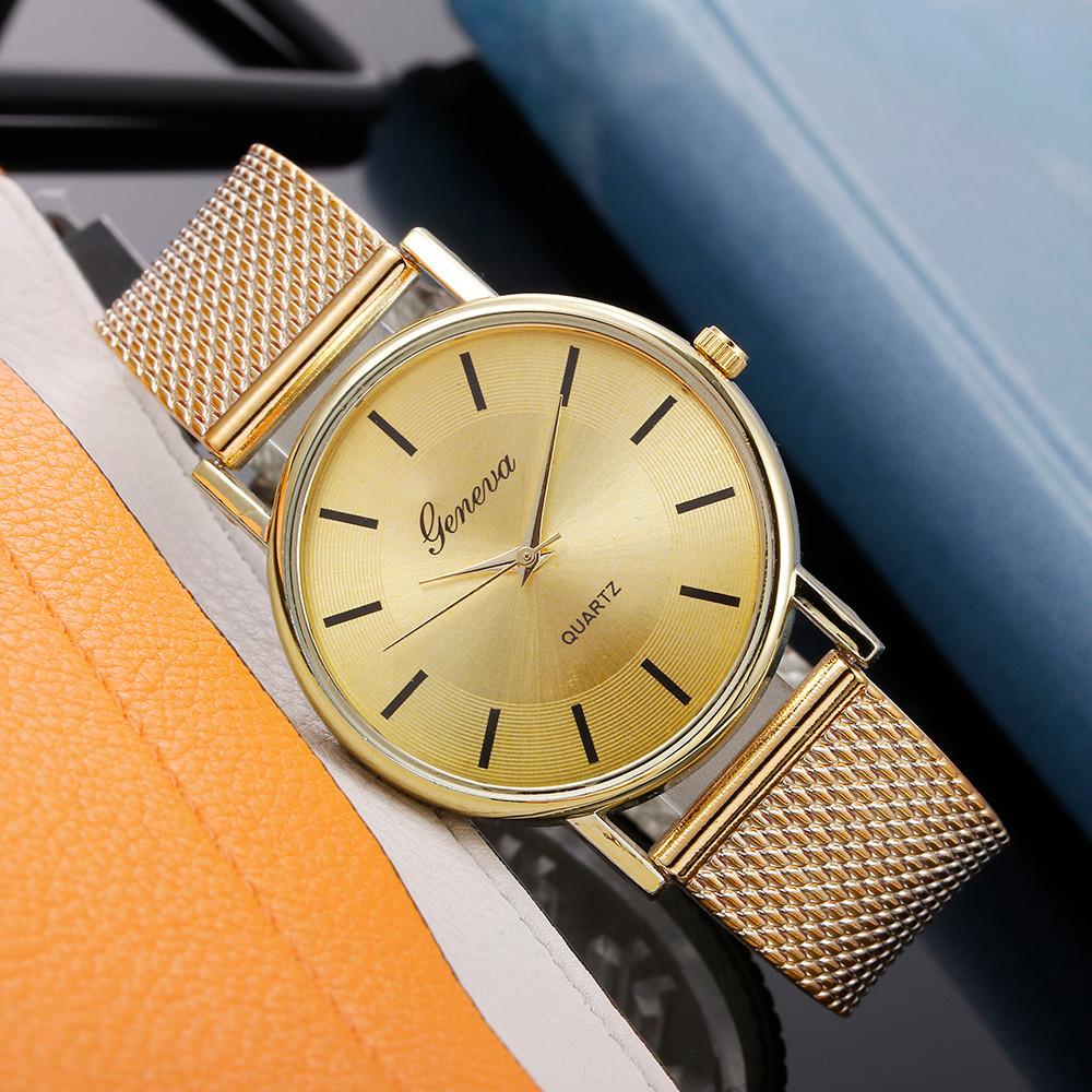 Женские наручные часы Geneva quartz золотого цвета
