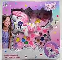 Декоративна дитяча косметика Місяць, 4 яруси, тіні, помади, блиск для губ, фото 1