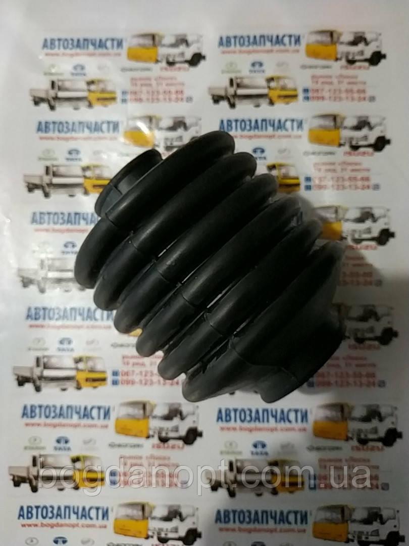 Пыльник вала выбора механизма переключения передач Эталон,грузовик ТАТА 613.250526717701