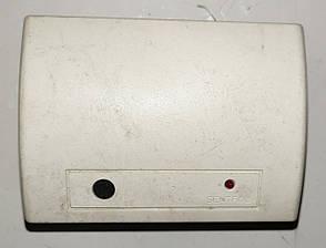 Б/У Датчик разбития стекла Interlogix 60-873-43. Всенаправленный датчик разбития стекла на частоту 433 МГц, фото 2