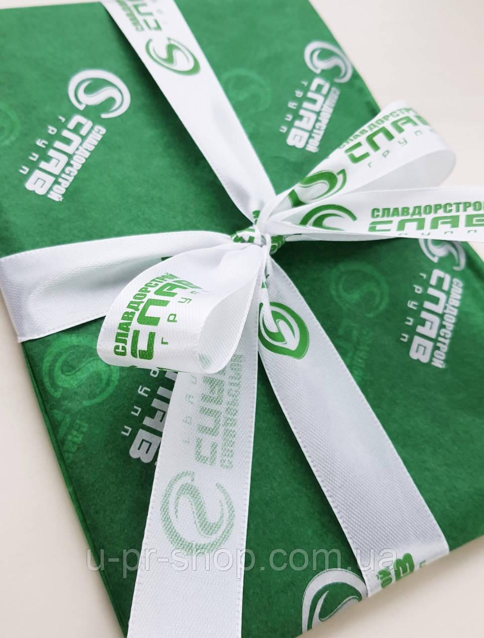 Пакувальний папір для подарунків,одягу,товарів.