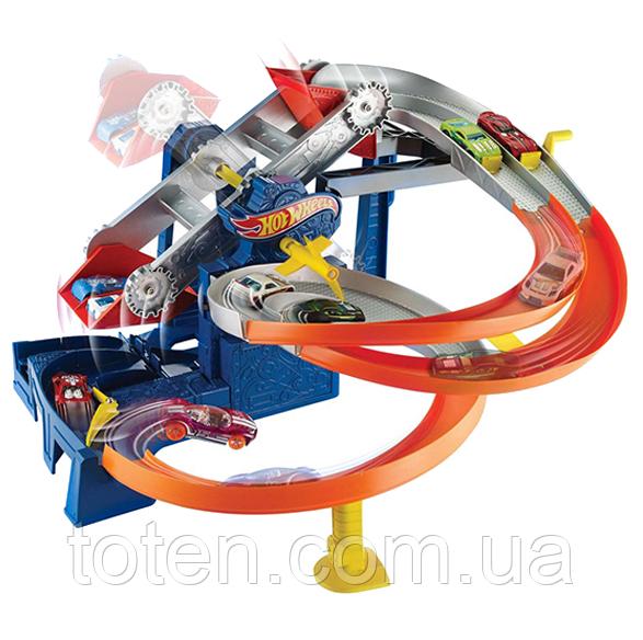 Ігровий набір Hot Wheels Гонки на фабриці (FDF28) машинка - 1 шт.