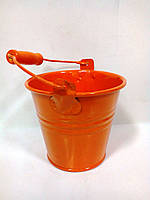 Оранжевое флористическое ведерко для цветов