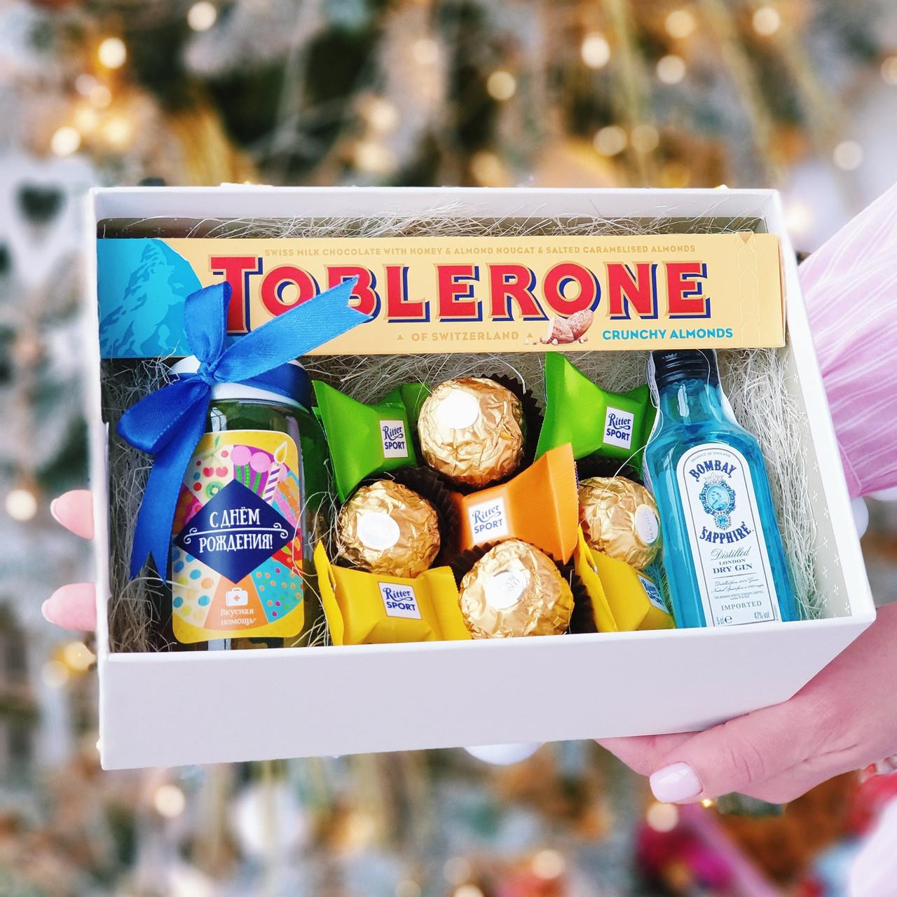 Набор ко дню рождения с джином, тоблероном и конфетами