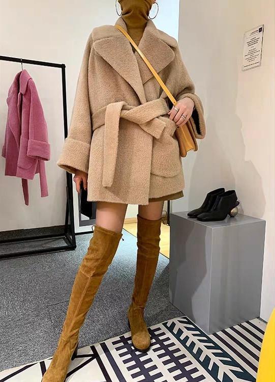 Женское укороченное пальто. Модель 8722