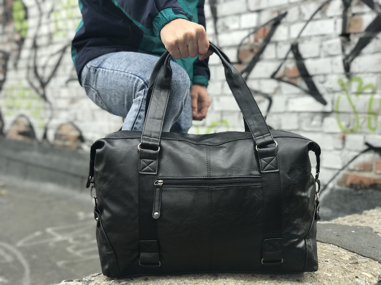 Мужская спортивная сумка из кожи
