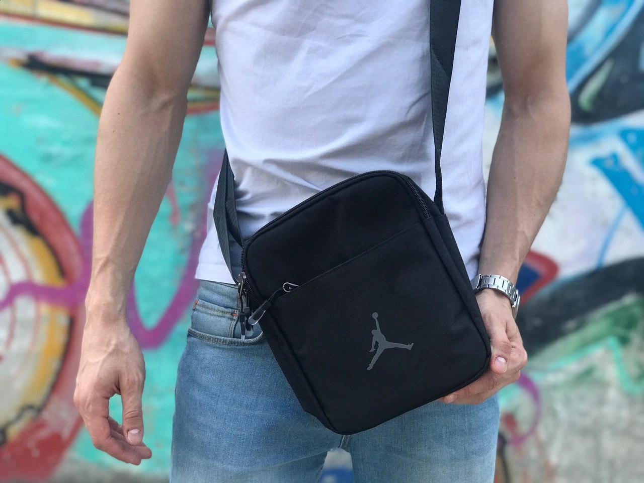 Мужская черная сумка на плече Jordan