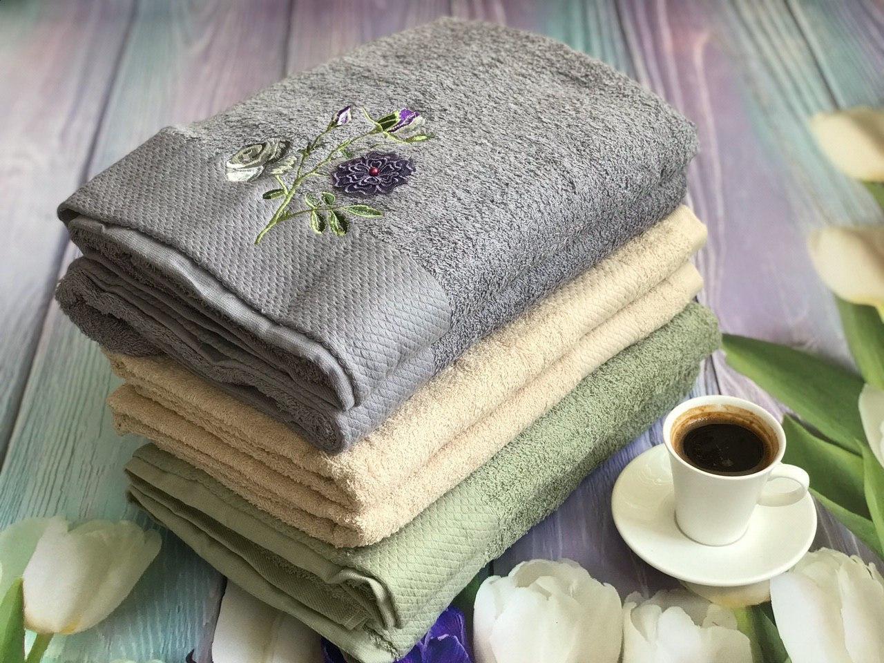 Упаковка банных полотенец с цветочками (6 шт.)