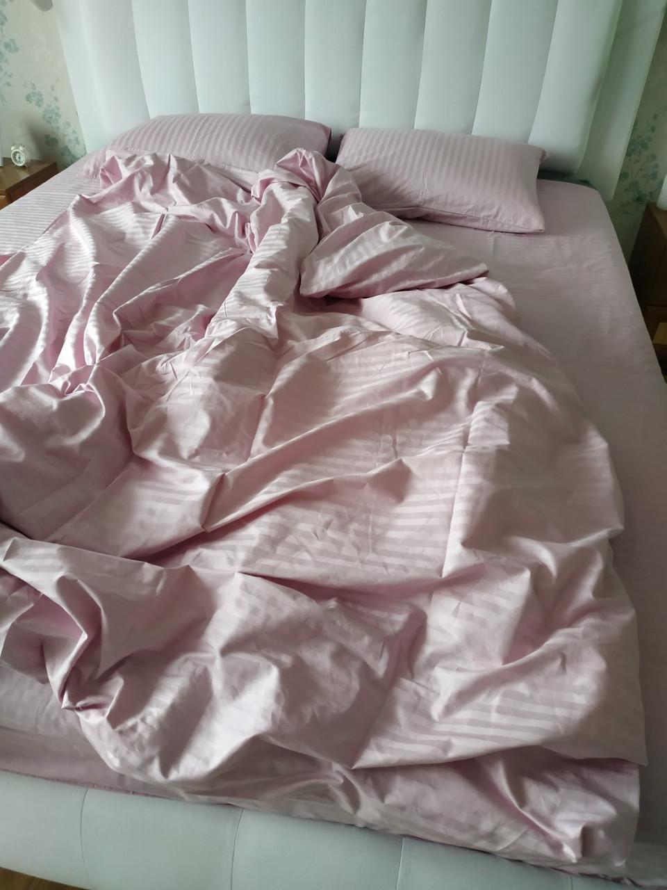 Стильное двуспальное постельное белье из страйп-сатина