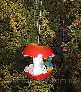 Кормушка для птиц синичка на яблоке