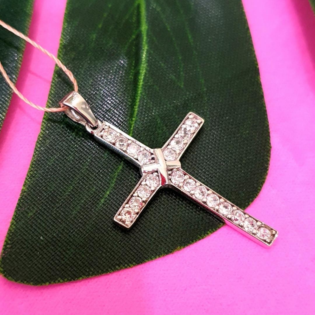 Крестик католический серебряный - Крестик из серебра с фианитами - Серебряный крестик