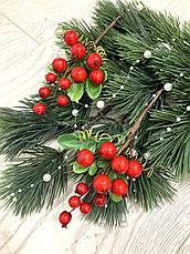 Бутоньерка с красными ягодами ( 17 см ), фото 3