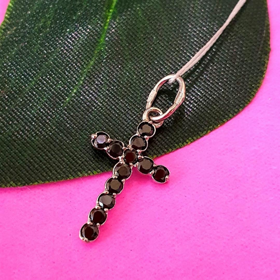 Серебряный крестик с черными камнями - Маленький крестик с черным цирконием серебро 925