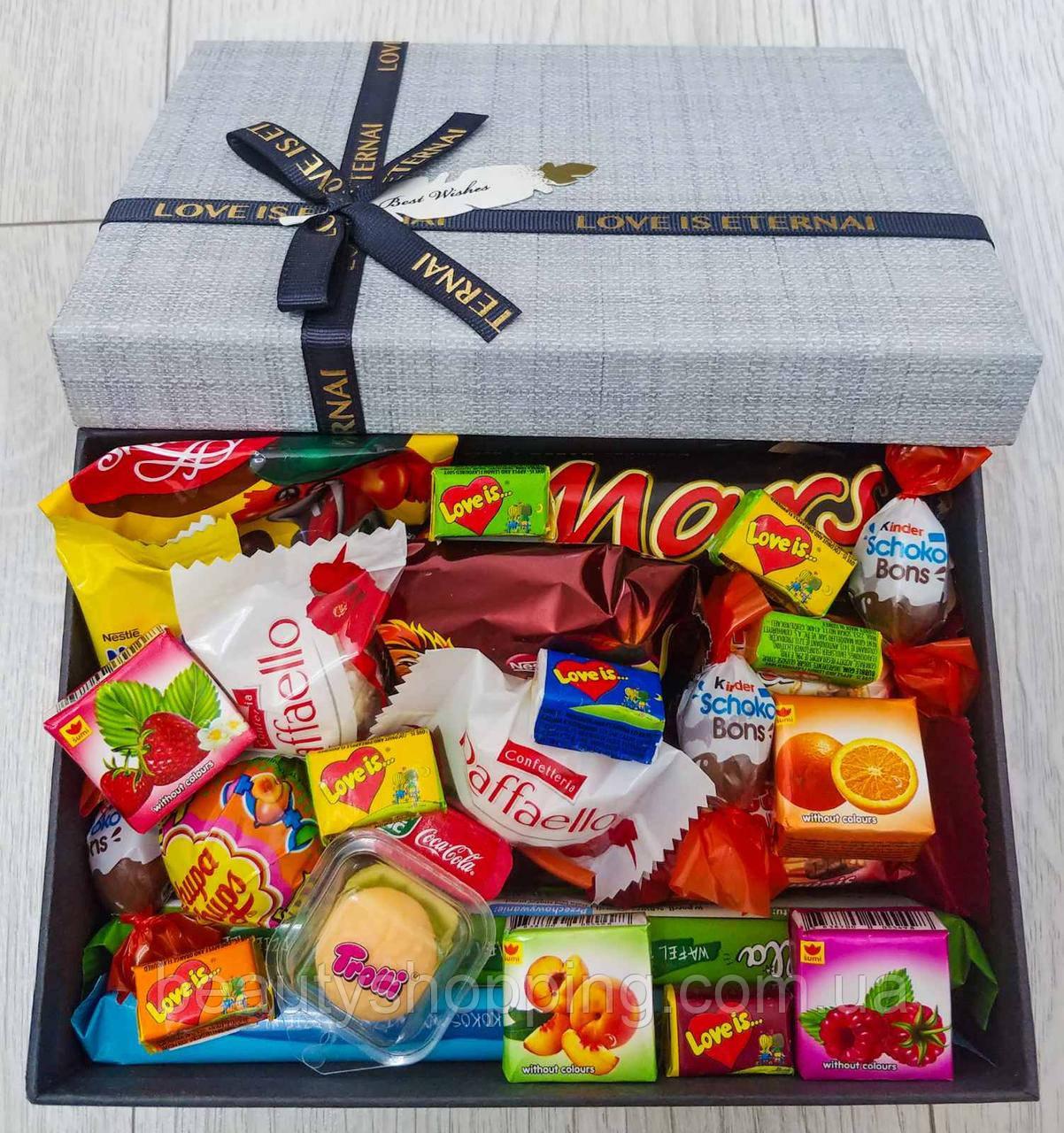 """Подарочный набор сладостей в коробке """"Sweet Love"""""""