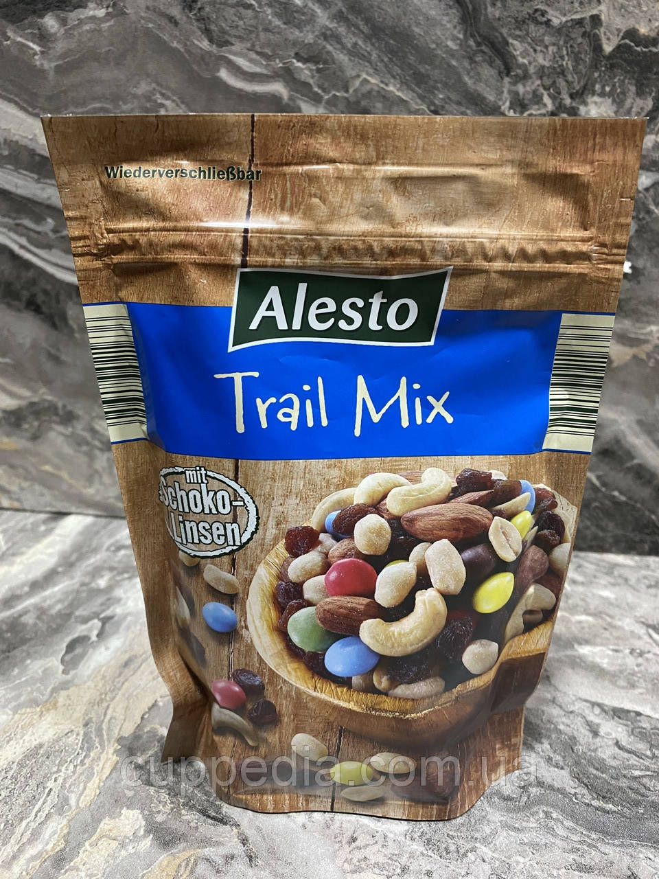 Смесь орехов, изюма и шоколадного драже Alesto Trail Mix 250 грм