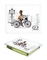 Поднос на подушке белый 040390 девушка на велосипеде