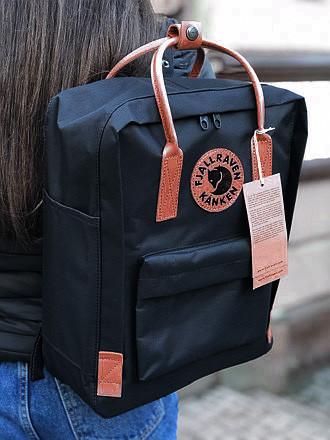 Модный рюкзак сумка женский, для девочки канкен Fjallraven Kanken classic 16 л. черный с коричневыми ручками