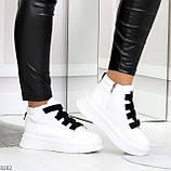 Модные белые женские кроссовки кеды криперы на черной шнуровке, фото 2