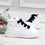 Модные белые женские кроссовки кеды криперы на черной шнуровке, фото 6