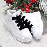 Модные белые женские кроссовки кеды криперы на черной шнуровке, фото 8