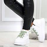 Модные белые женские кроссовки кеды криперы на оливковой шнуровке, фото 8