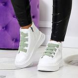 Модные белые женские кроссовки кеды криперы на оливковой шнуровке, фото 10