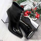 Люксовые черные лаковые женские ботинки ботильоны на фигурном белом каблуке, фото 6