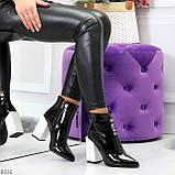 Люксовые черные лаковые женские ботинки ботильоны на фигурном белом каблуке, фото 9